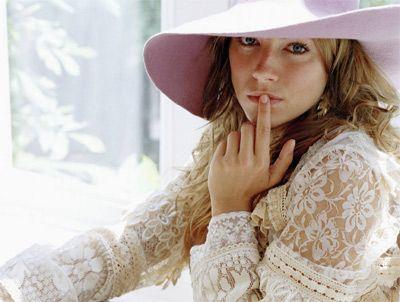 Sienna Miller - 32